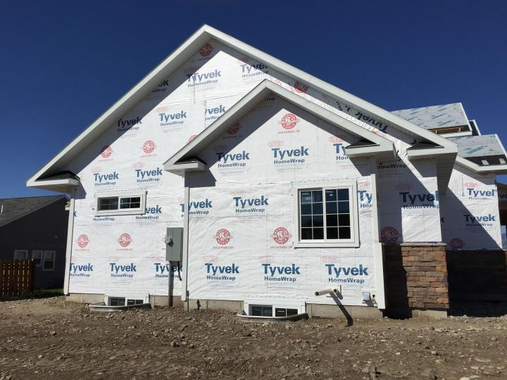 Wall and roof sheathing, tyvek, dry-in, clip stone